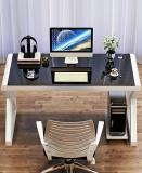 What are the characteristics of a computer desk?
